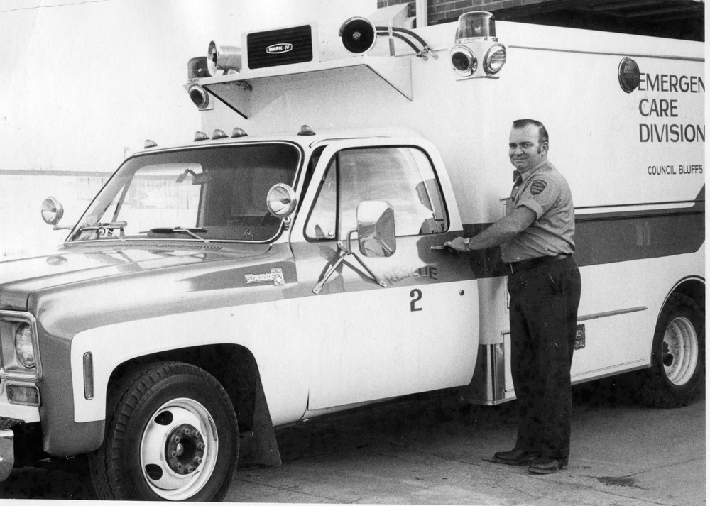 Ambulance_Service_CB_&_Pott._Co_10_07_1975_01.jpg