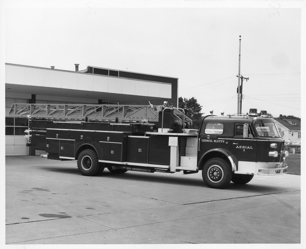 Fire Department 1972 American LaFrance at new #2 S. 27th.tif