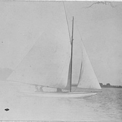 sailboat-on-lake-manawa_5334297534_o.jpg