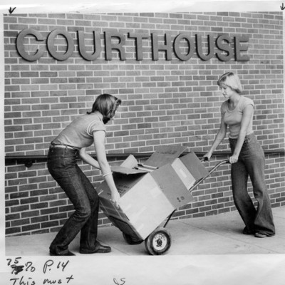 Pottawattamie_County_Courthouse_File_2_8_3_1977.jpg