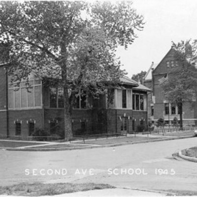 second-avenue-school---council-bluffs-ia_5600944790_o.jpg