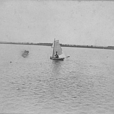 sailboat-on-lake-manawa_5334283184_o.jpg