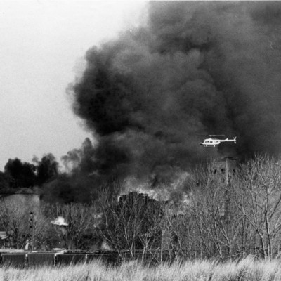 Bluffs_Elevator_Fire_4_21_1982_02.jpg