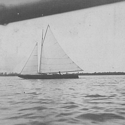 sailboat-on-lake-manawa_5426189446_o.jpg